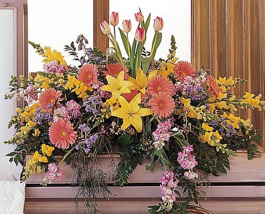 Funeral flowers florist kennett square sympathy flowers casket sprays cs199 7 mightylinksfo