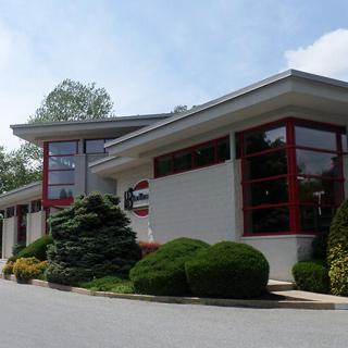 Giordano's Restaurant & Sports Bar